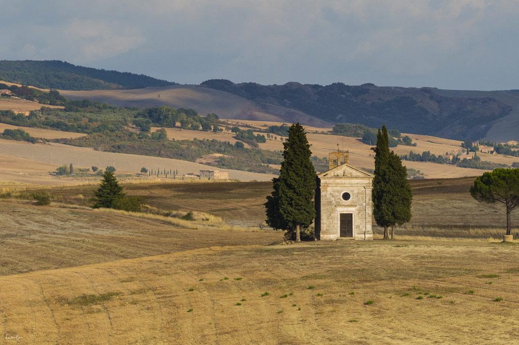 scenic drive Tuscany - Cappella di Vitaleta