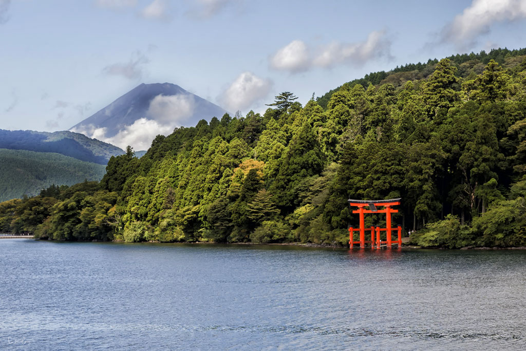 Japan Mt Fuji Asti Lake