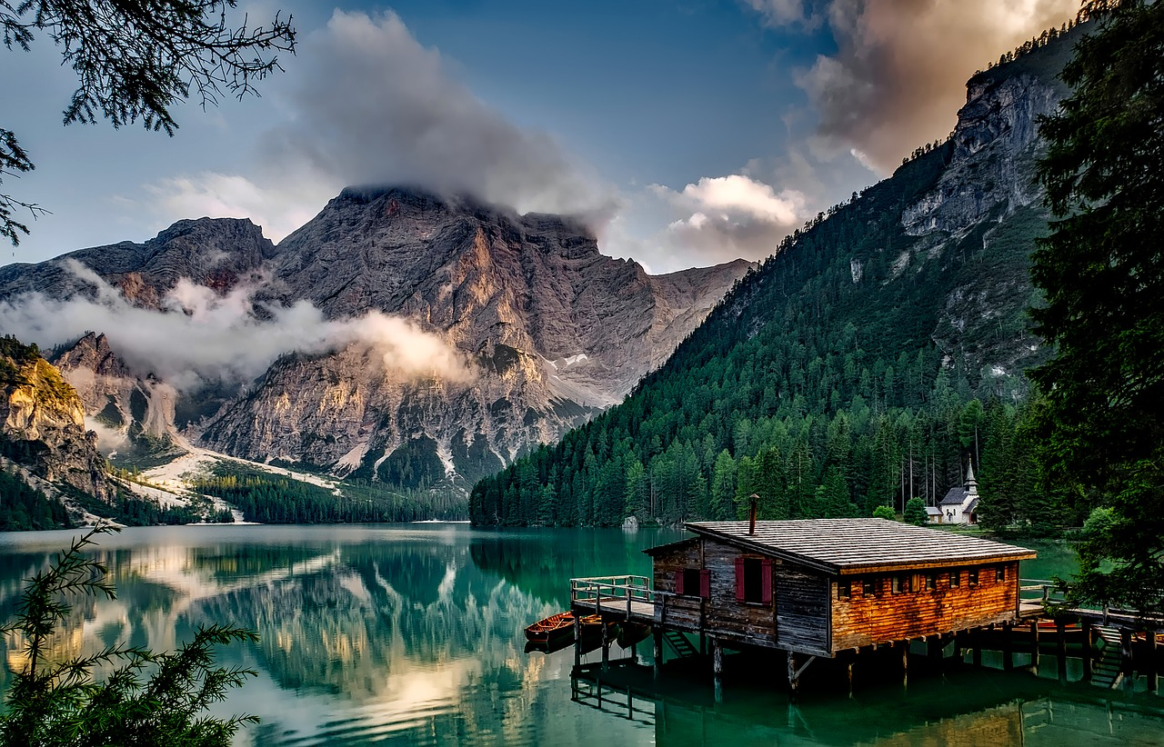 Travel inspiration Europe Pragser Wildsee