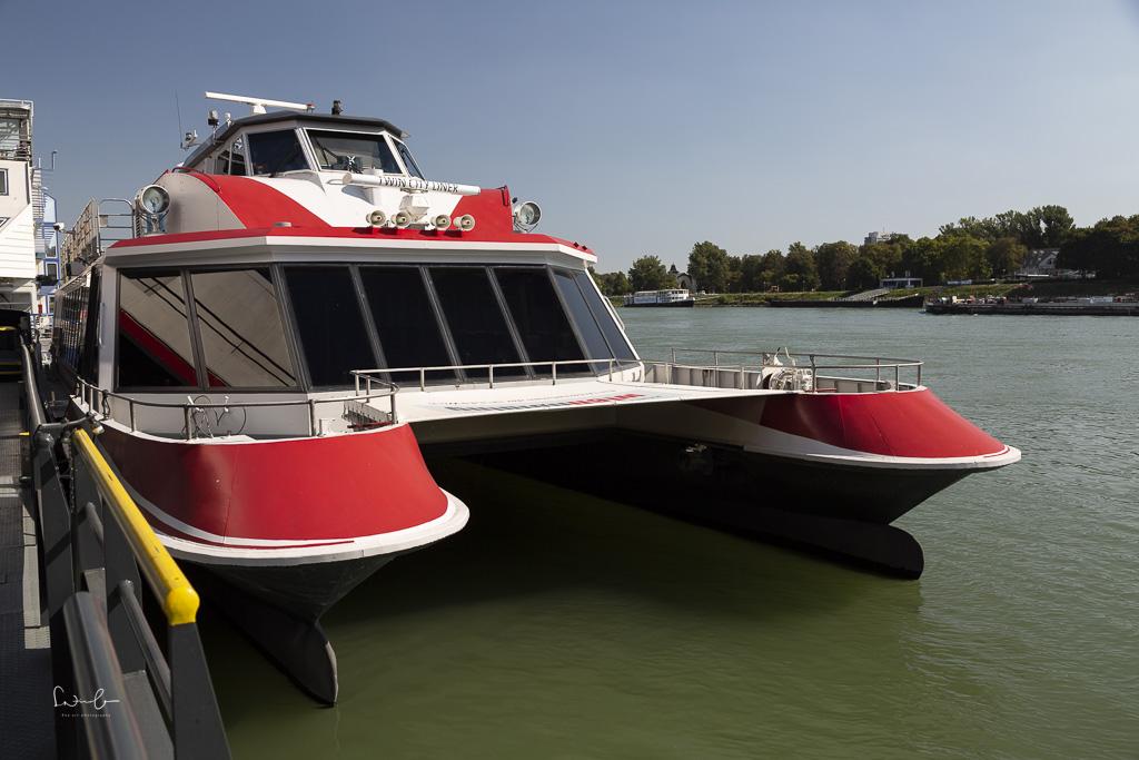 day trip Vienna Bratislava by boat