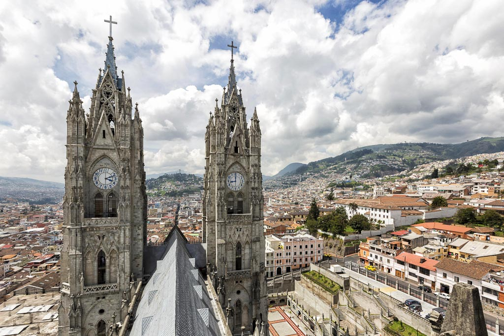 basilica del vote national - one day in Quito