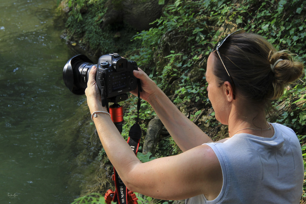 Nicola photographing water